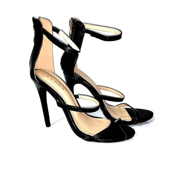 VENUS Shoes - new. venus strappy